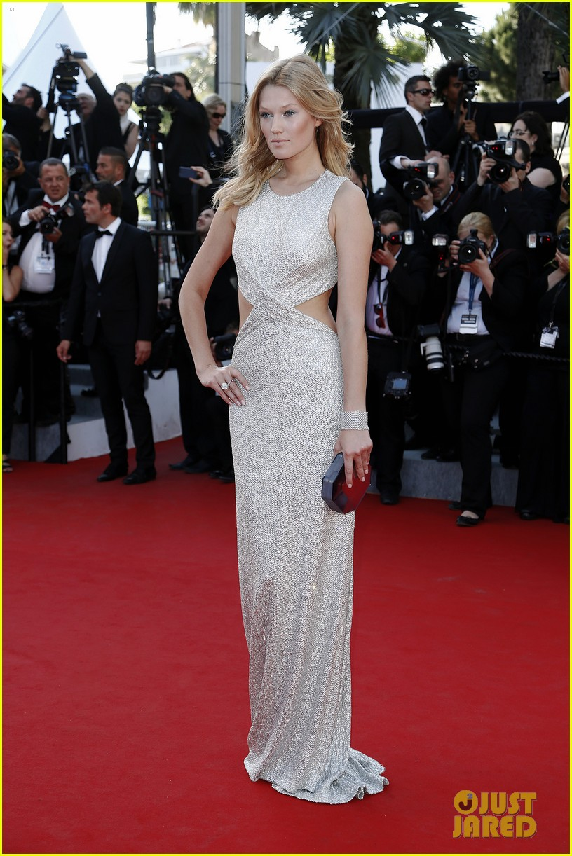 marion cotillard looks stunning at little prince cannes premiere 033376387