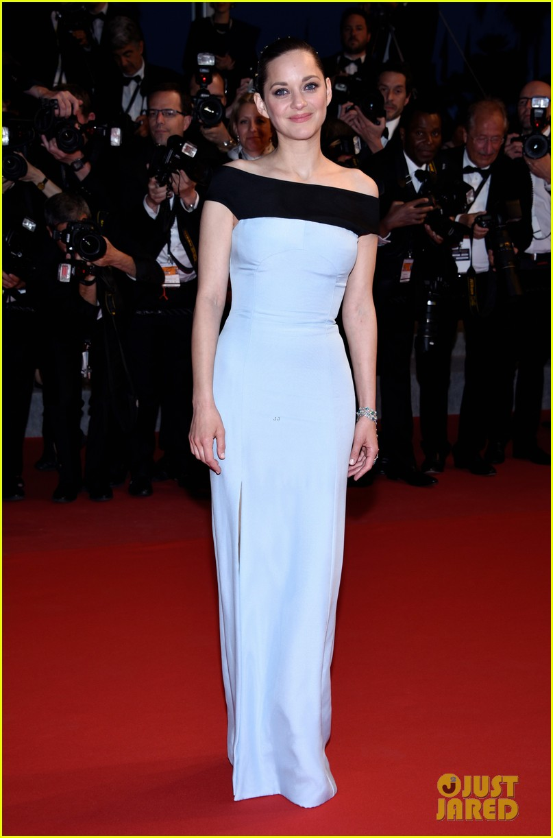 marion cotillard looks stunning at little prince cannes premiere 083376392