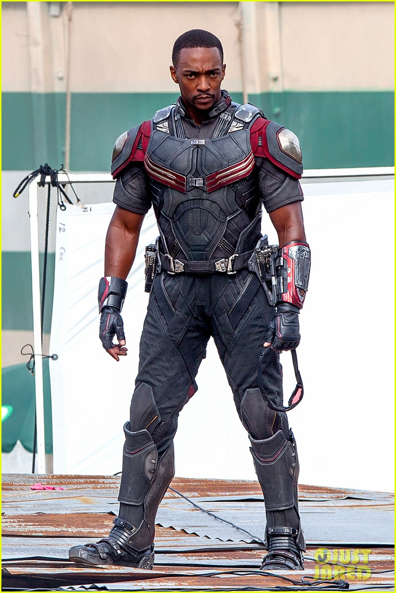 chris evans anthony mackie get to action captain america civil war 013370429