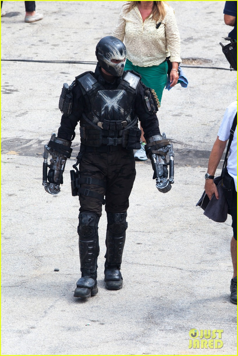 chris evans anthony mackie get to action captain america civil war 363370464