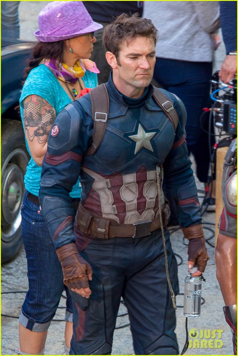 Chris Evans Suits Up For Captain America Civil War Photo