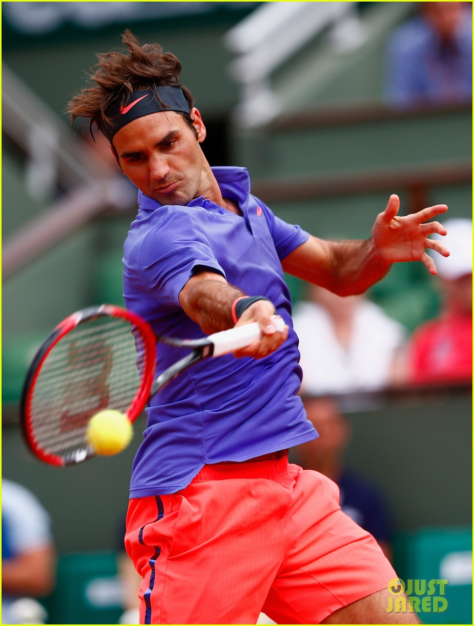Roger federer is not happy after fan rushes the court photo roger federer is not happy after fan rushes the court voltagebd Image collections