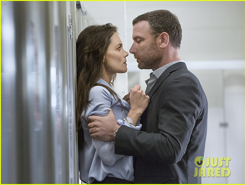 Katie holmes gets pinned against a wall in 39 ray donovan 39 still teaser photo 3381312 katie - Liev schreiber ray donovan season 3 ...
