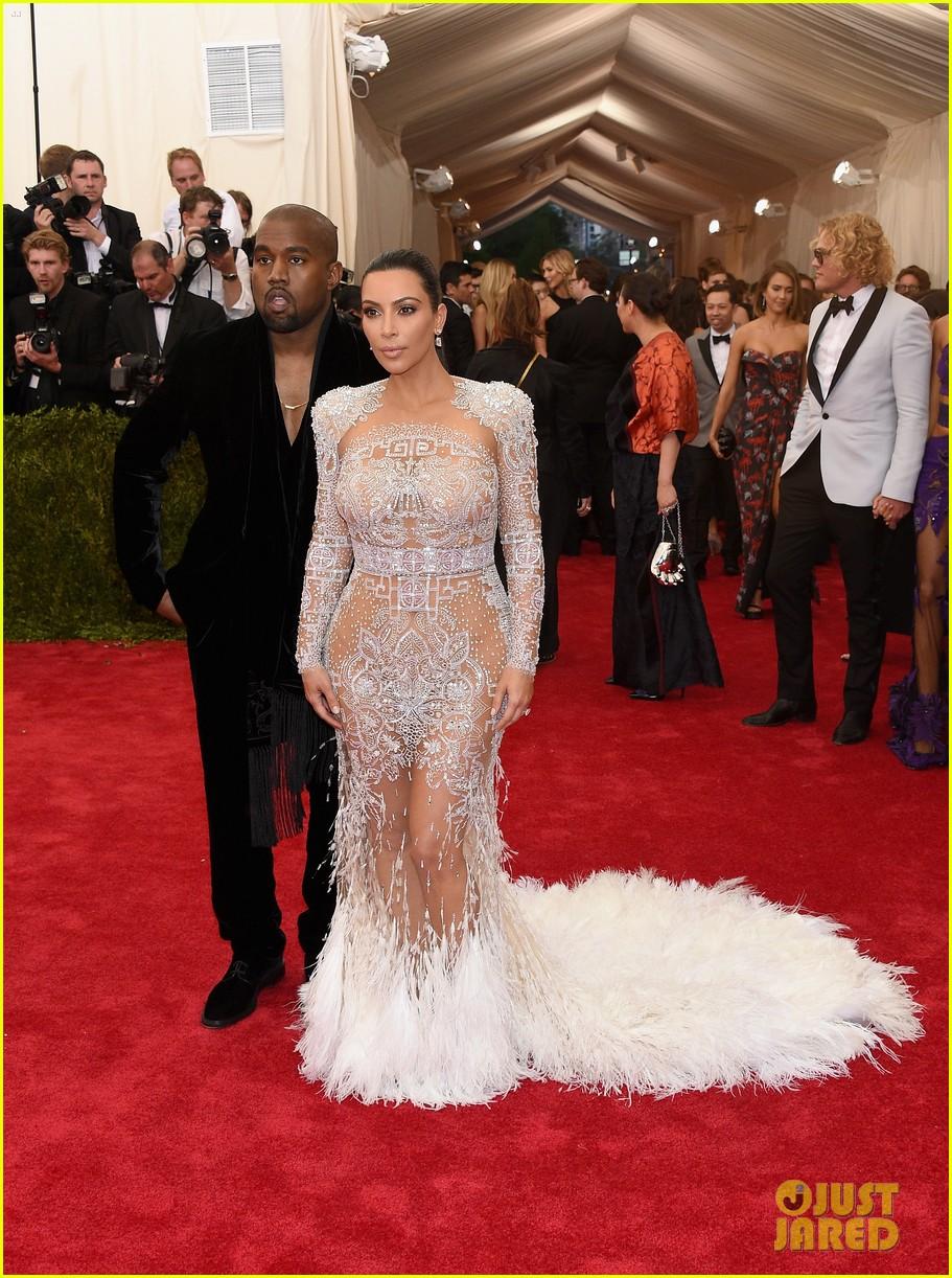 kim kardashians met gala 2015 dress was inspired by cher 013363182