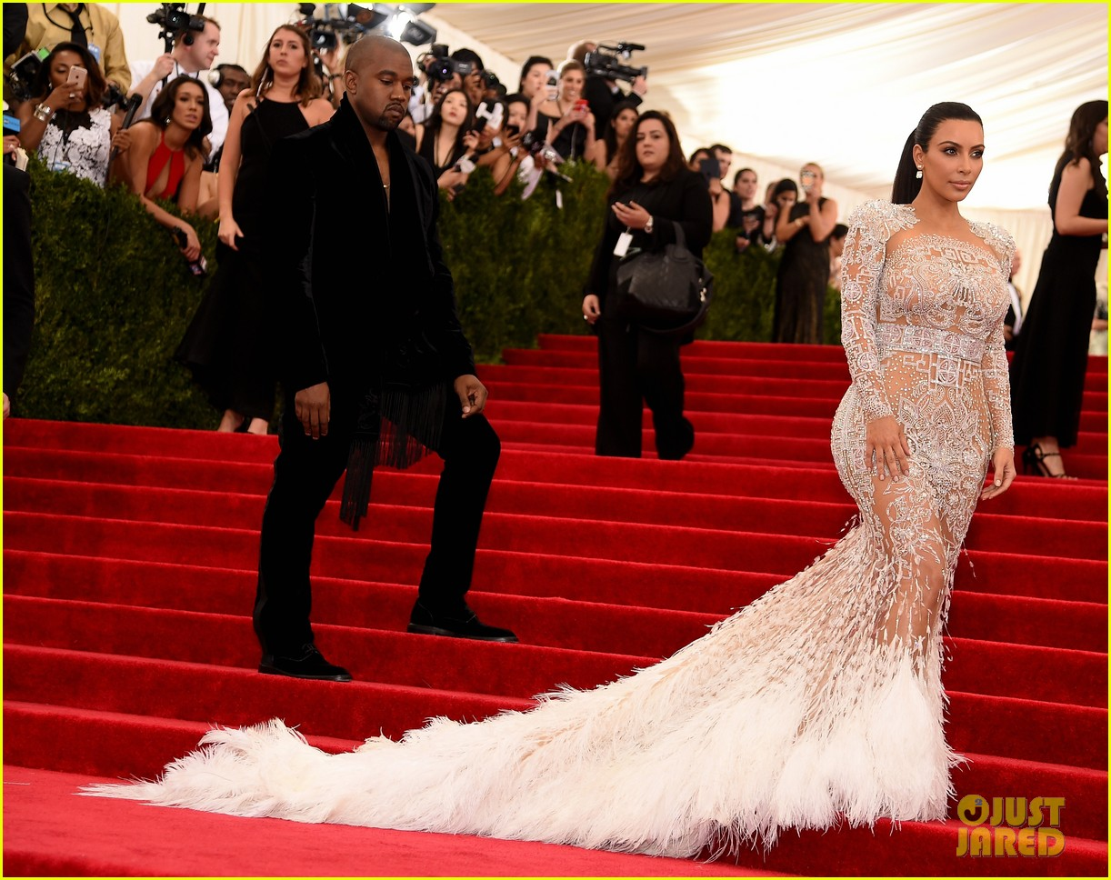 kim kardashians met gala 2015 dress was inspired by cher 143363195