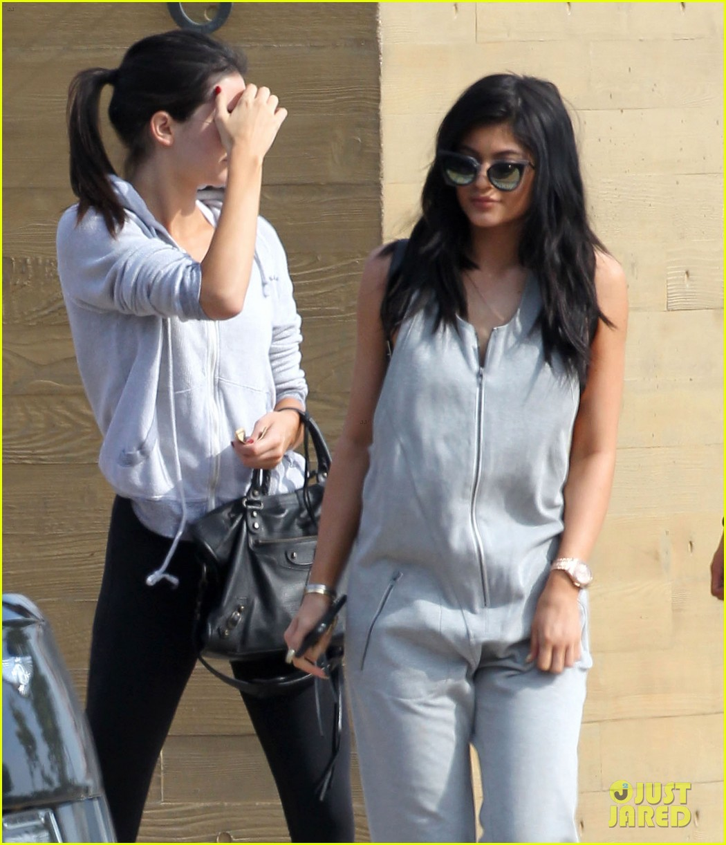 1cd7edbd51fd Kim Kardashian Breaks Down While Talking About Mom Kris Jenner   Bruce s  Transition (Video)