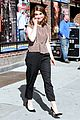 tina fey strips down to her spanx gives david letterman her last dress 02