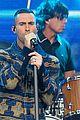 adam levine jimmy kimmel live performance 02