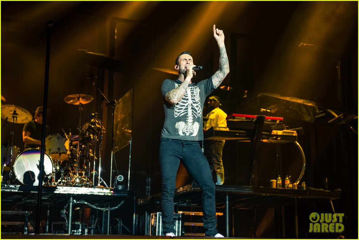 maroon 5s this summers gonna hurt vaults into pop 023379198