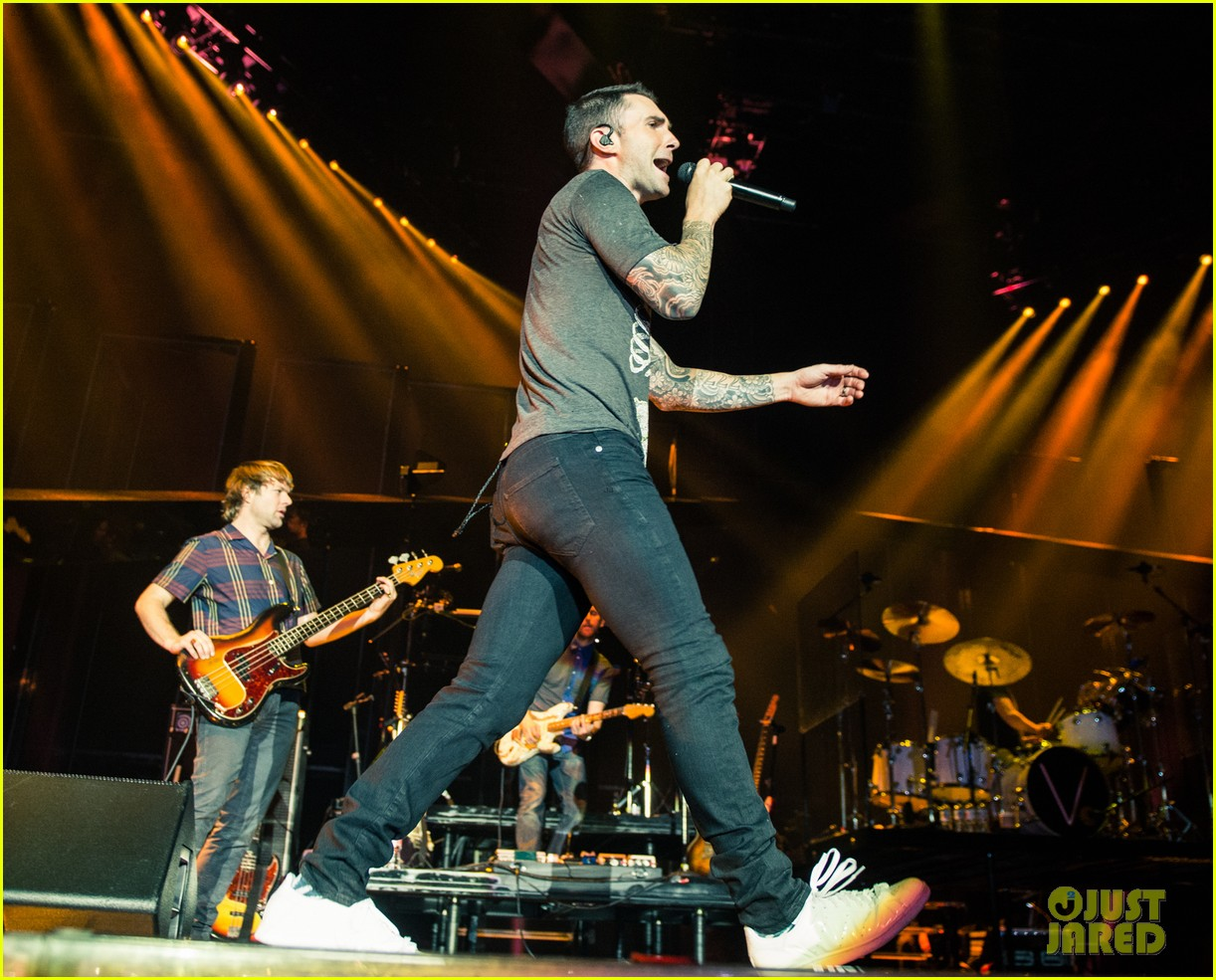 maroon 5s this summers gonna hurt vaults into pop 063379202