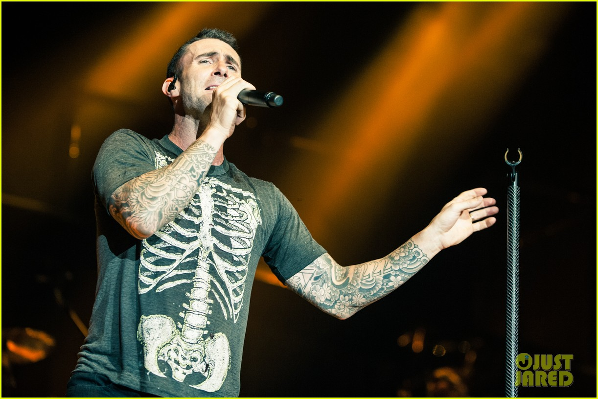 maroon 5s this summers gonna hurt vaults into pop 153379211