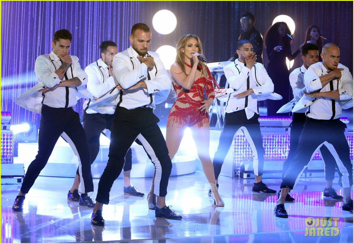 jennifer lopez performs greatest hits medley on ellen 103370249