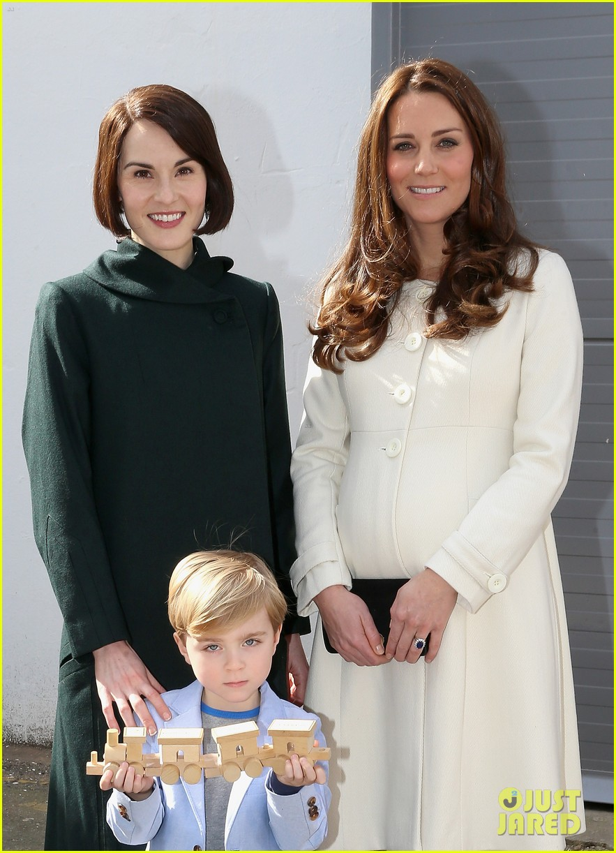 kate middleton gives birth prince william second child 233360471