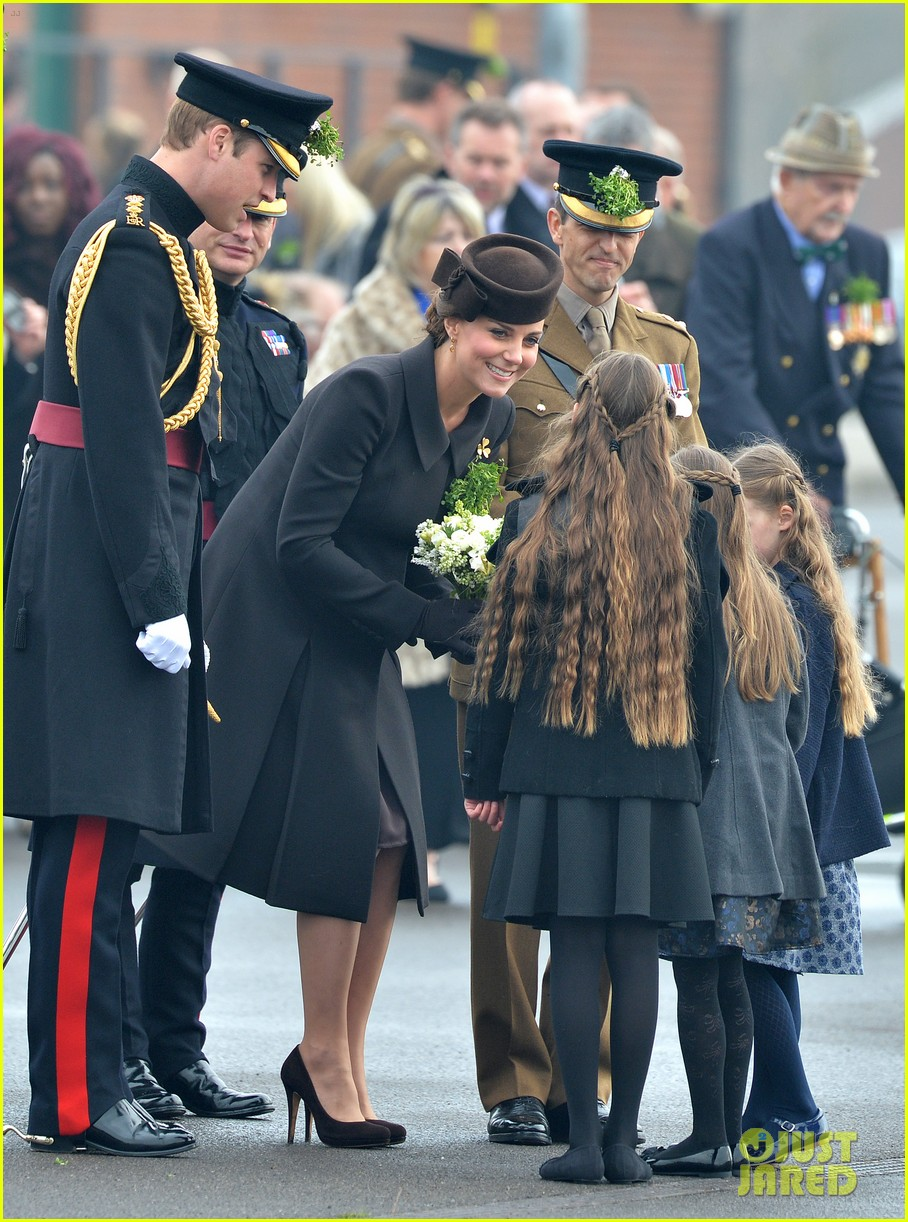 kate middleton gives birth prince william second child 253360473