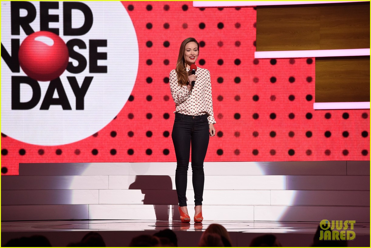julianne moore olivia wilde are red nose day presenters 023375811