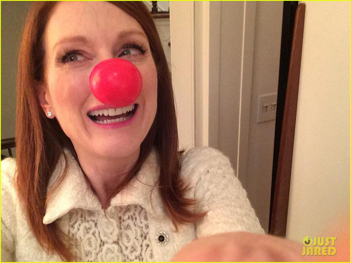 julianne moore olivia wilde are red nose day presenters 043375813