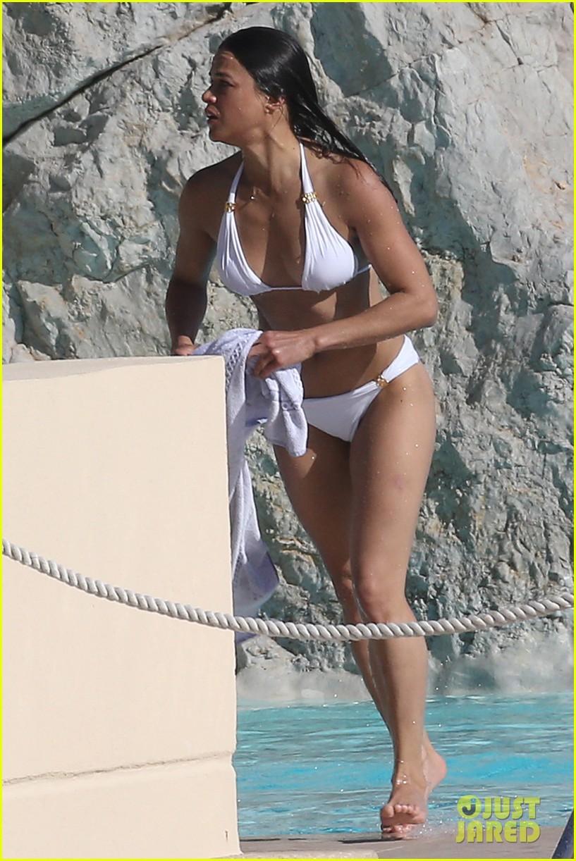 michelle rodriguez bikini yacht cannes 033375070