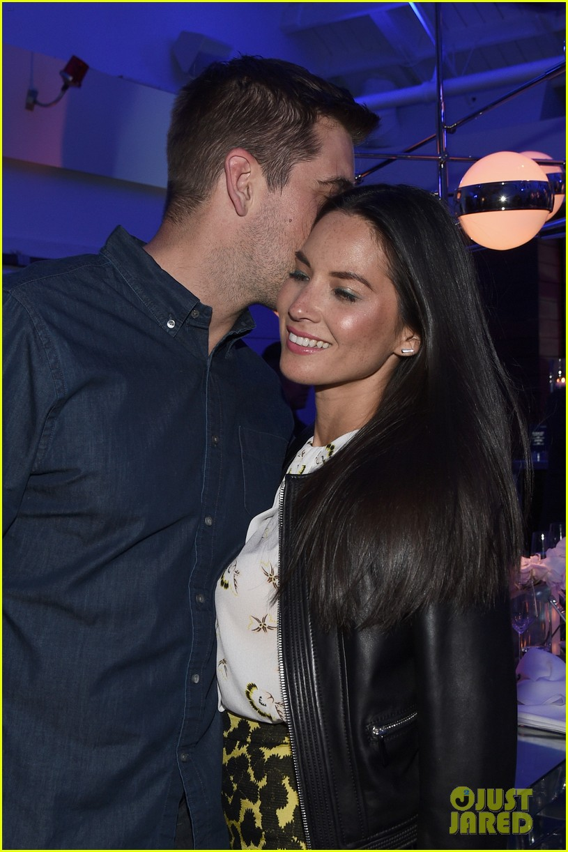 olivia munn turned down celebrity jeopardy so aaron rodgers accepted 033368379