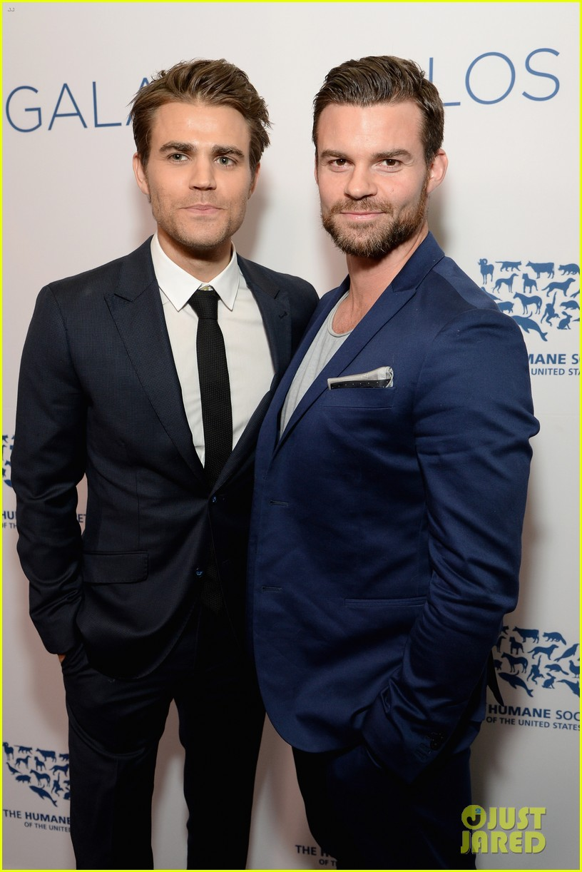 paul wesley kaley cuoco humane society gala 033371444