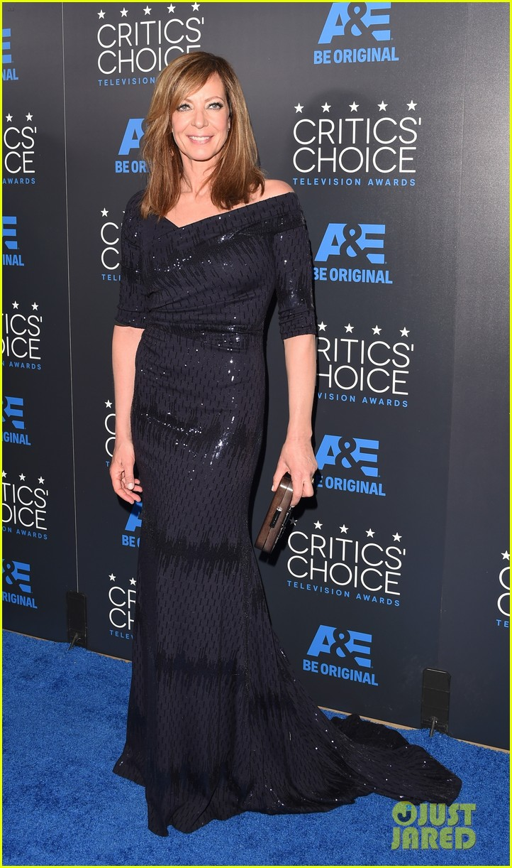 sarah paulson wins critics choice tv awards 2015 133382641
