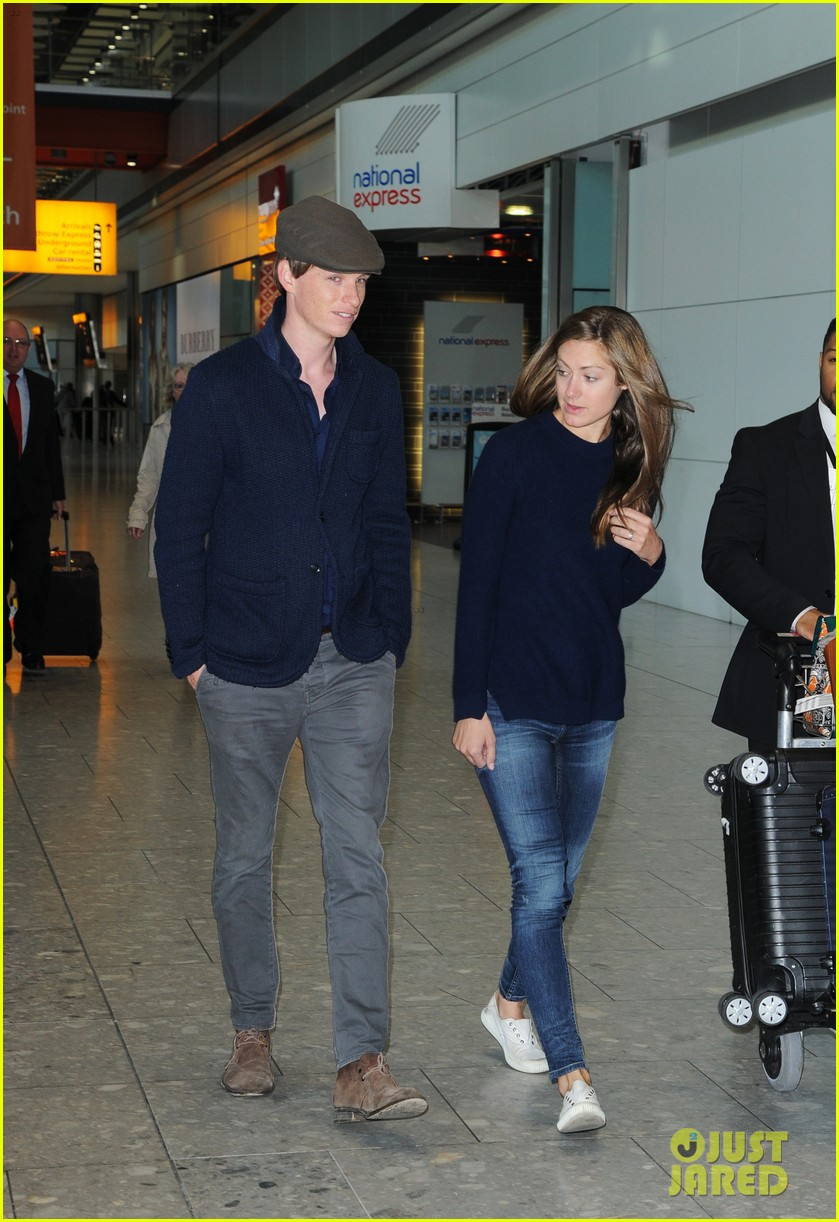 eddie redmayne hannah bagshawe fly to london 013364378
