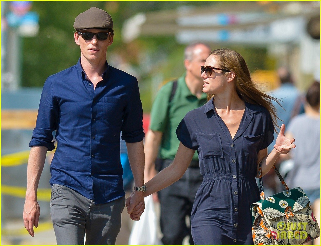 eddie redmayne hannah bagshawe fly to london 163364393