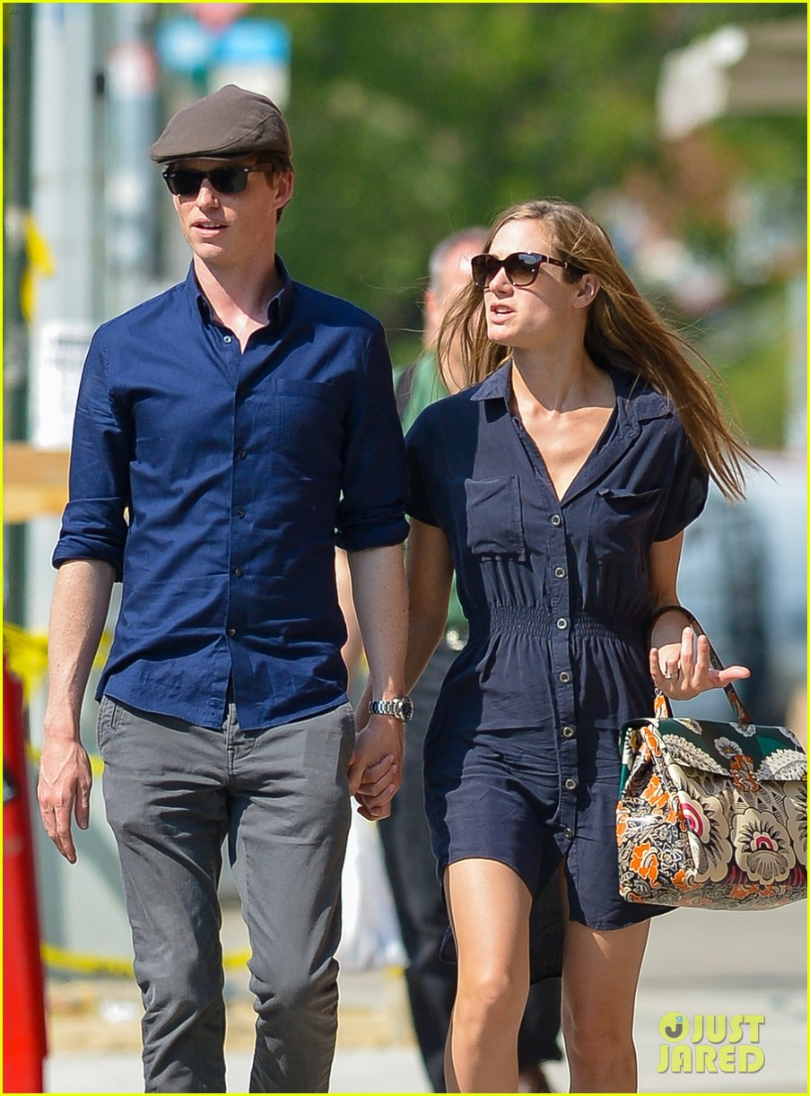 eddie redmayne hannah bagshawe fly to london 193364396