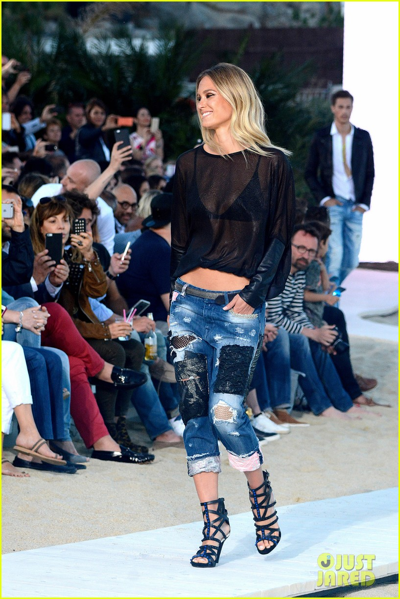 bar refaeli alessandra ambrosio hit the runway in greece 093367062