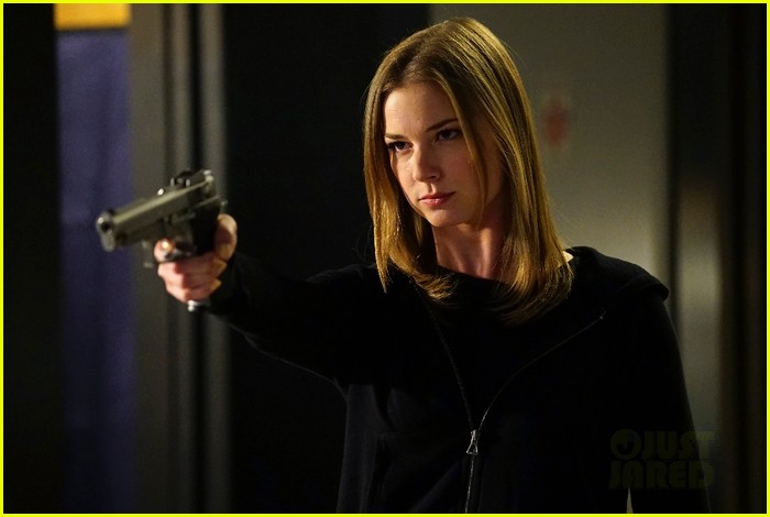 revenge exec opens up about series finale shockers 043372180