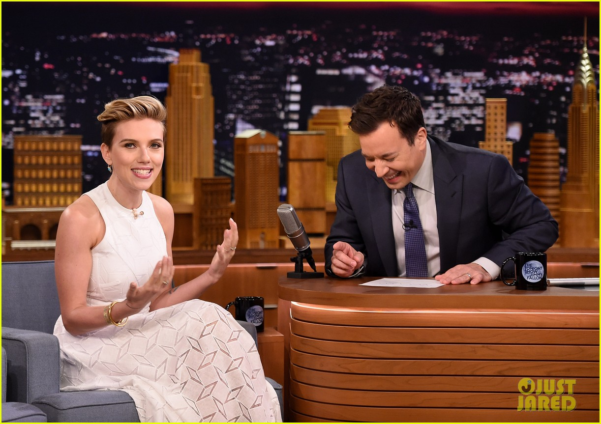 http://cdn01.cdn.justjared.com/wp-content/uploads/2015/05/scarjo-fallon/scarlett-johansson-plays-whats-in-the-box-with-jimmy-fallon-09.jpg