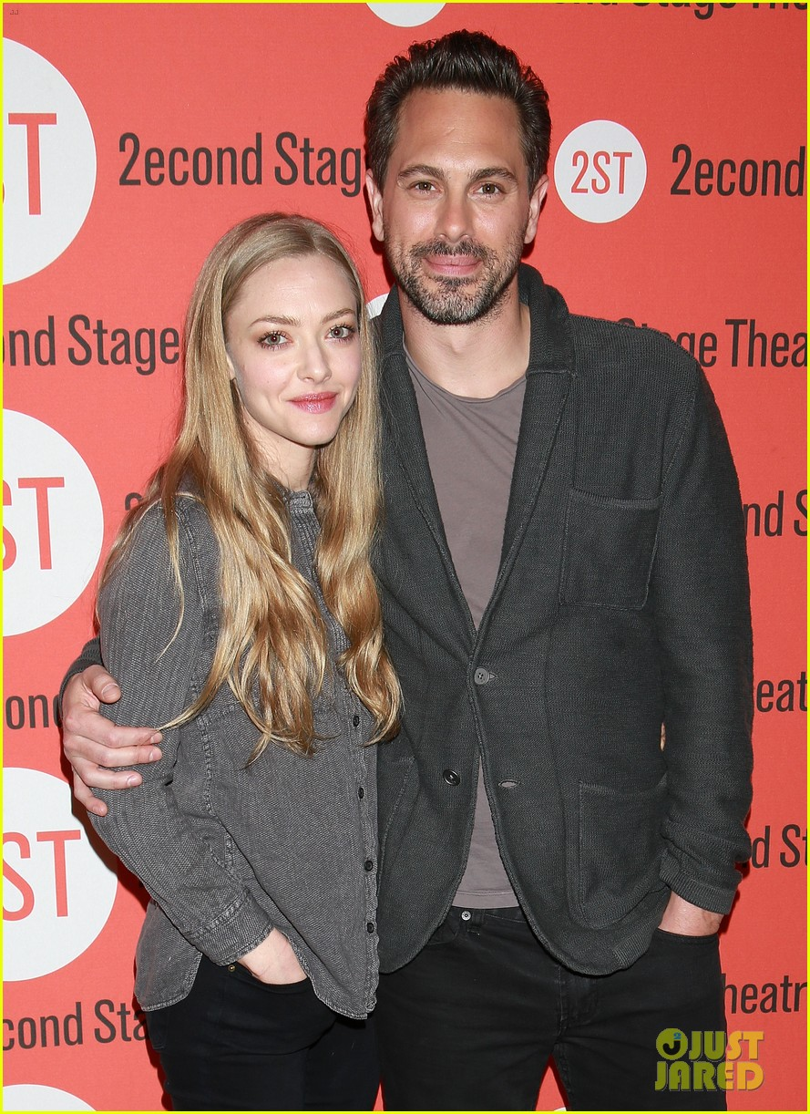 amanda seyfried thomas sadoski the way we get by photo call 083360681
