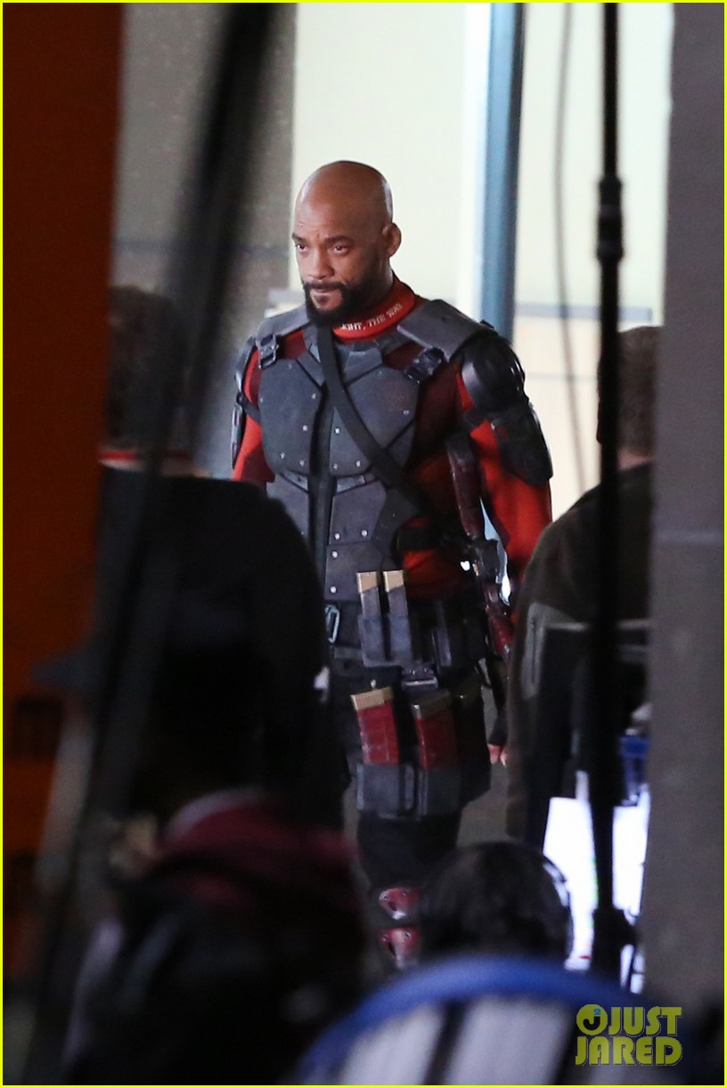 suicide squad cast seen in costume on set 093362035