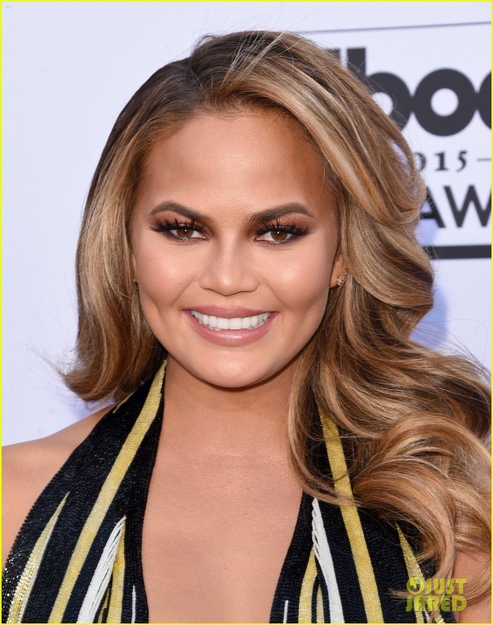 chrissy teigen john legend billboard music awards 2015 083372094
