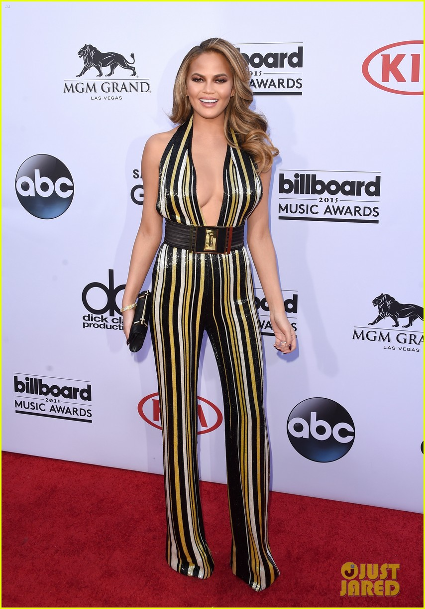 chrissy teigen john legend billboard music awards 2015 093372095