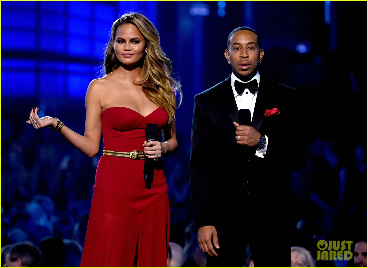 chrissy teigen john legend billboard music awards 2015 173372103