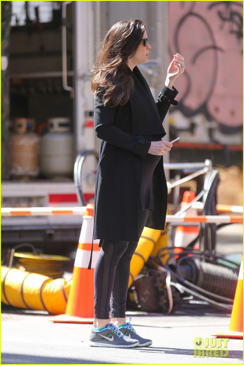 liv tyler sings with dad steven tyler in cool new video 083377172