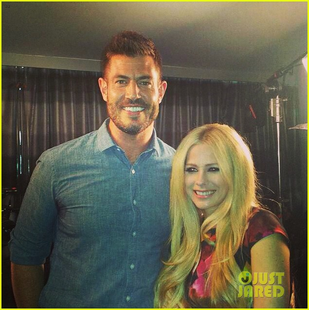 avril lavigne is all smiles after her emotional gma interview 053404404