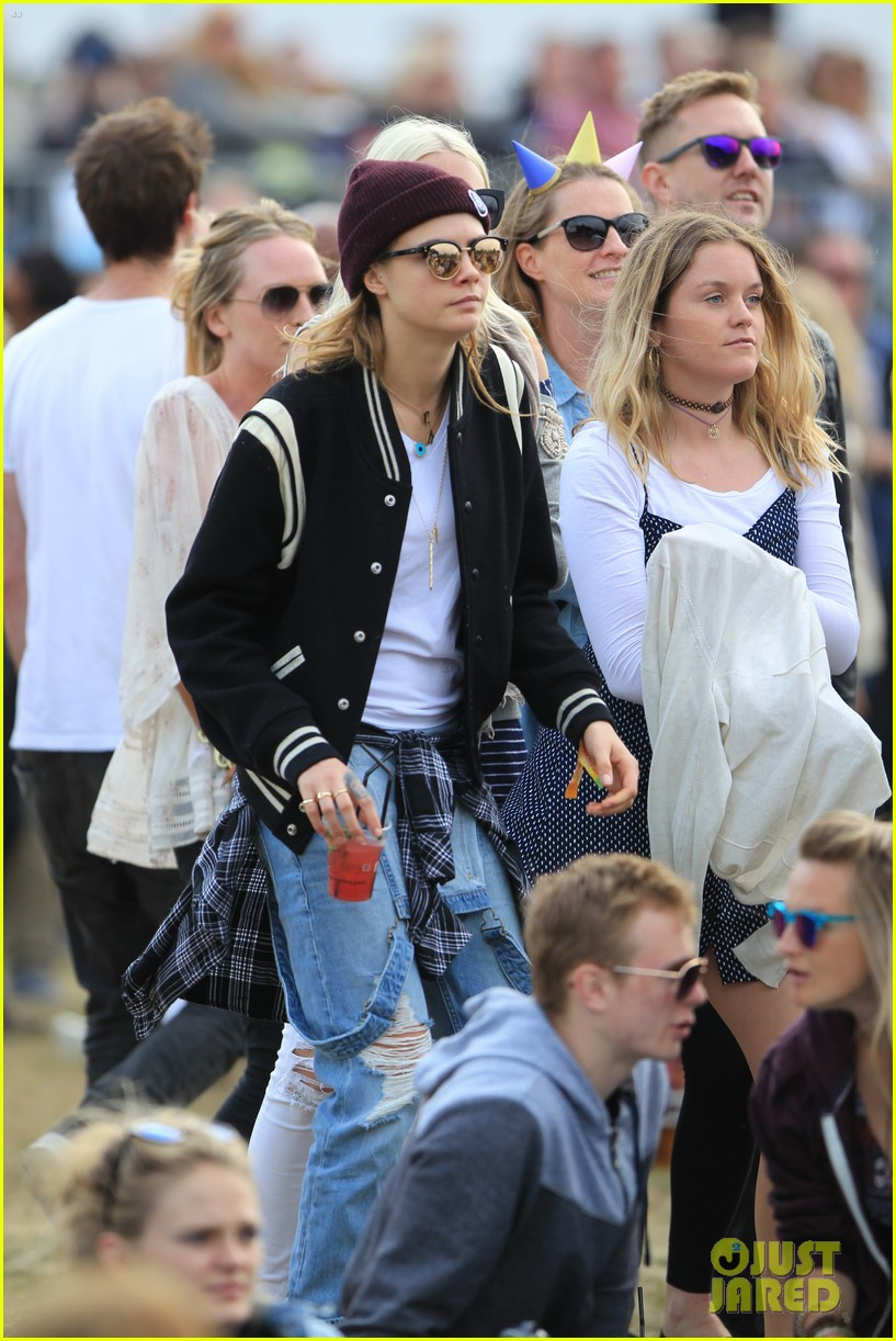 Cara Delevingne Emilia Clarke Compete To See Who Has The Best