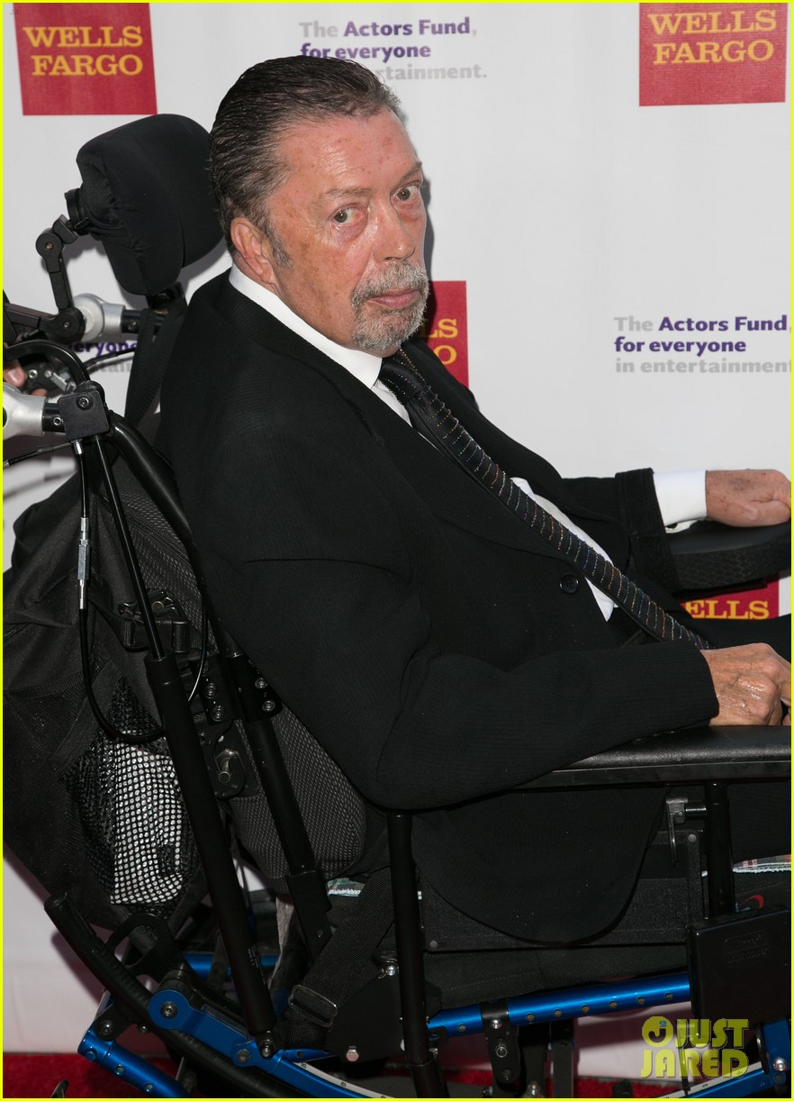 tim curry makes rare appearance after suffering stroke 053389755