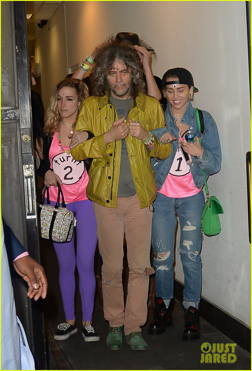 Miley cyrus dating model
