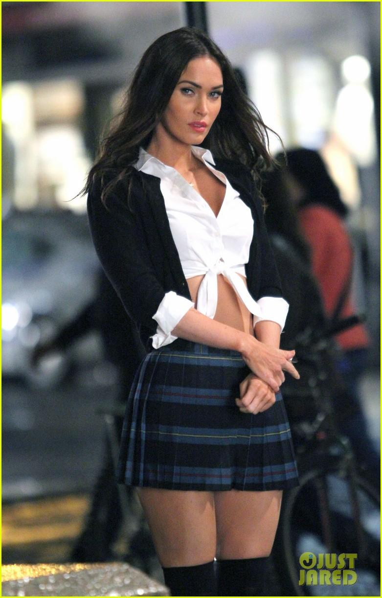 Megan Fox Channels Super Sexy Schoolgirl On Tmnt 2 Set