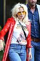 lady gaga flaunts concave tummy not that thin 12