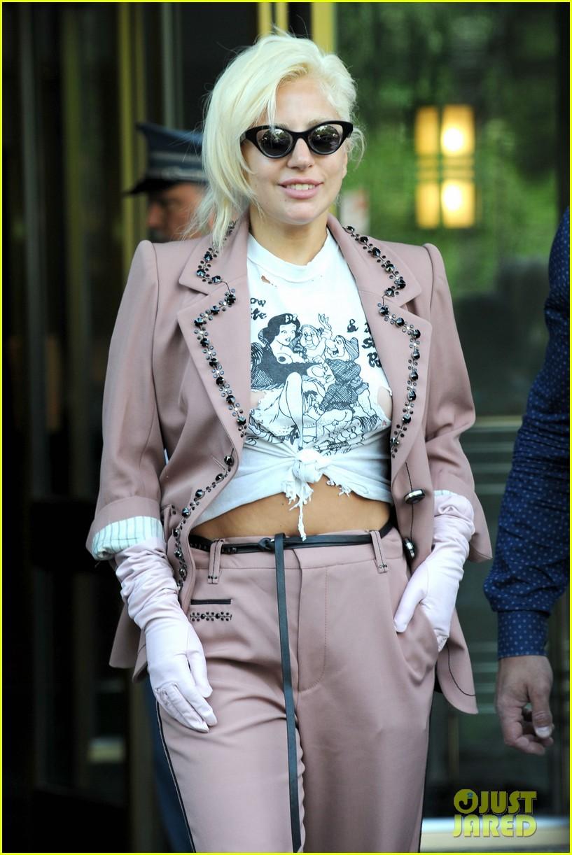 lady gaga wears the raciest snow white shirt ever 163402090