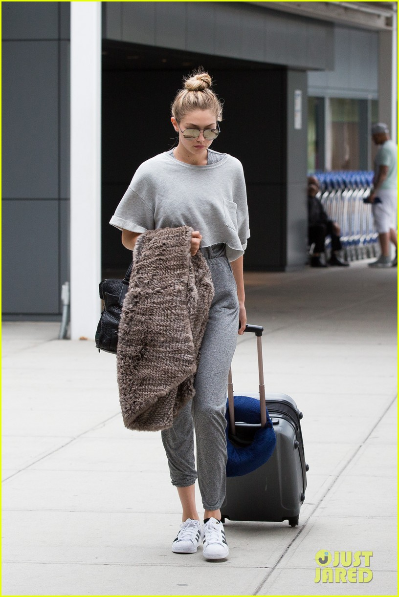 gigi hadid joe jonas arrive jfk together workout buddies 263396216