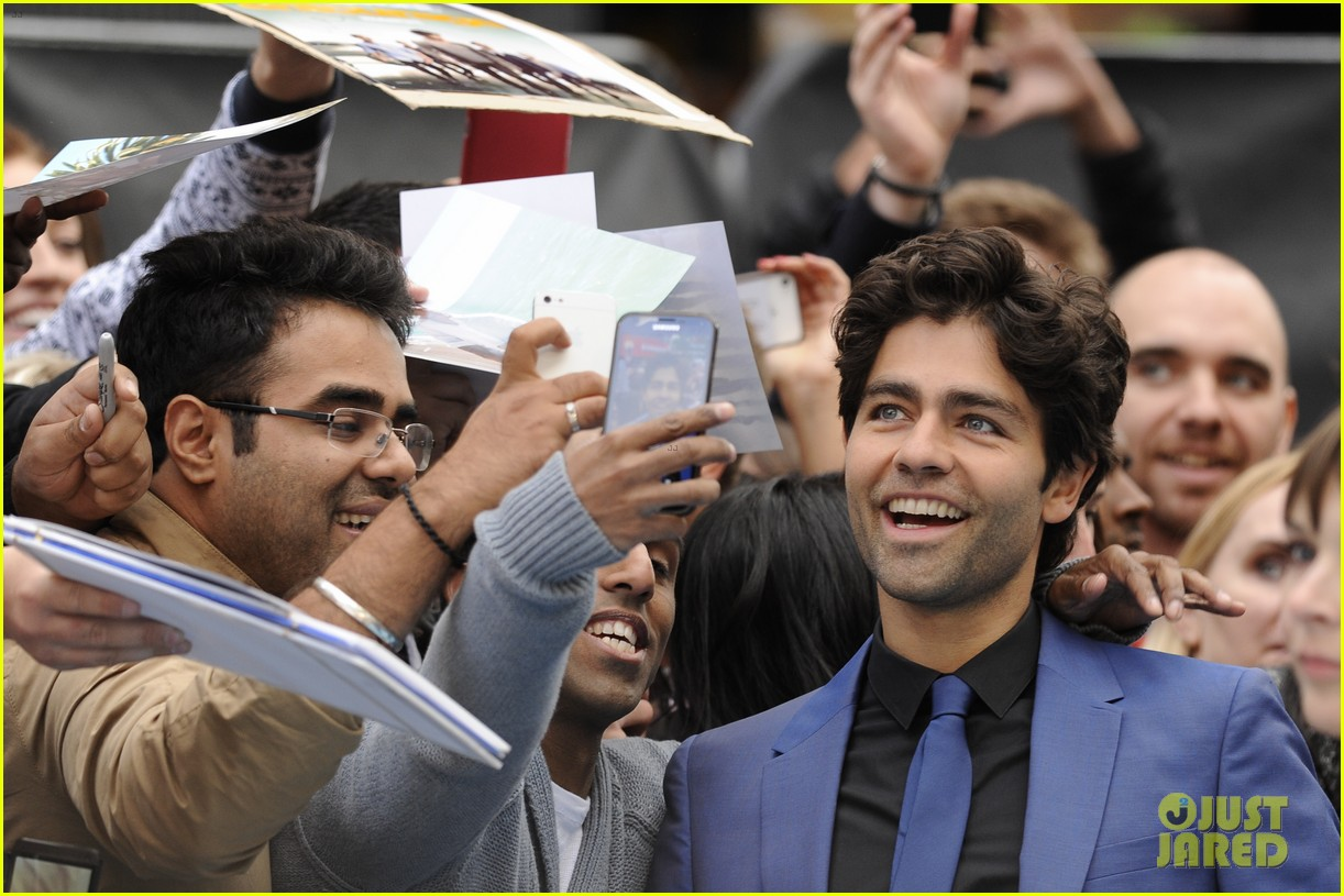 adrian grenier will respond if you call him vincent chase 203389990