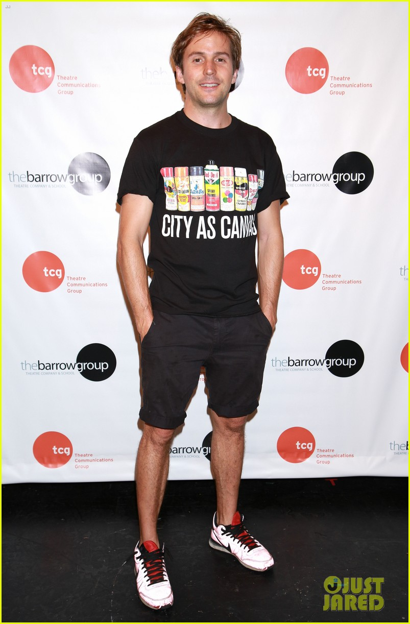 anne hathaway supports seth barrish at an actors companion book release party 083400972