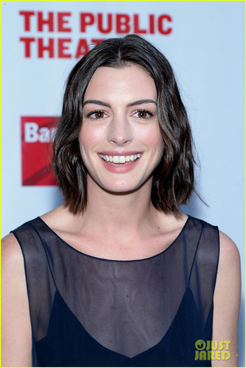 Anne Hathaway, Julianna Margulies & Hubby Keith Lieberthal Step Out ...