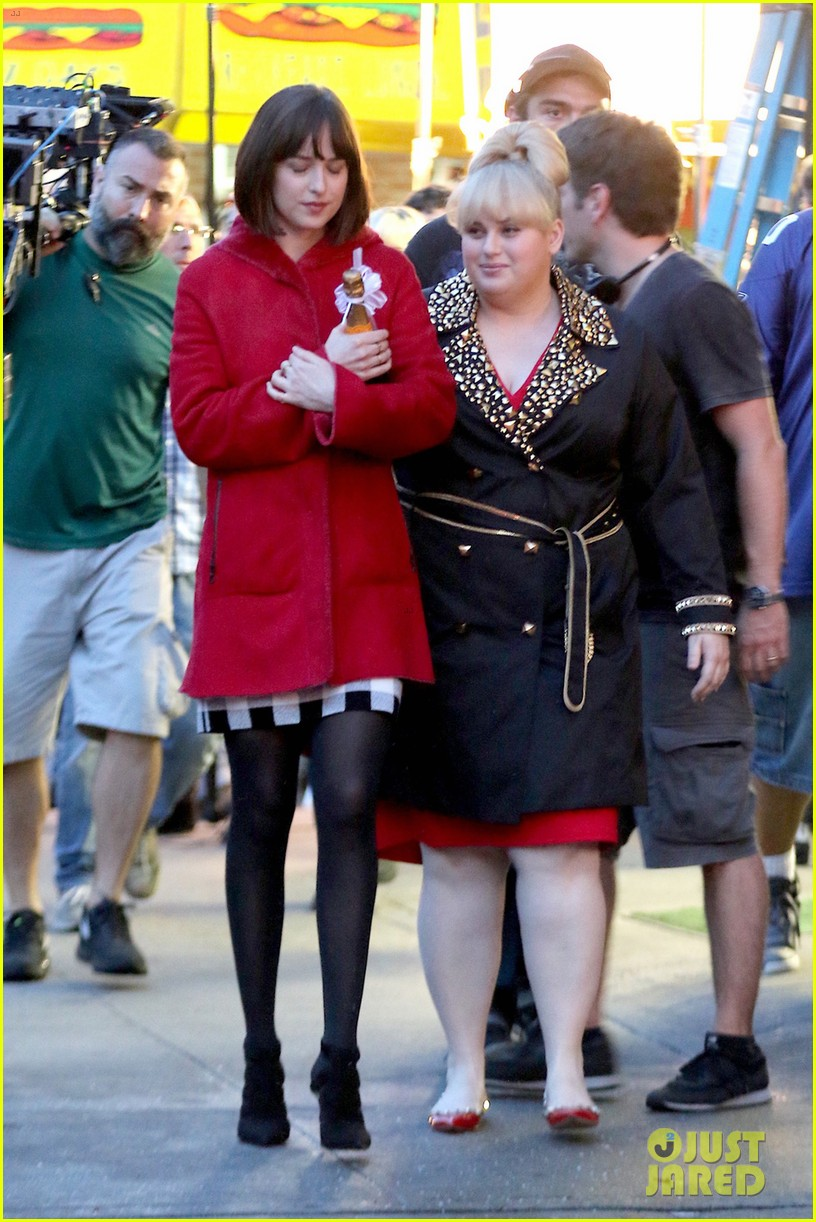 Dakota johnson rebel wilson look like bffs on how to be single dakota johnson rebel wilson look like bffs on how to be single set ccuart Choice Image