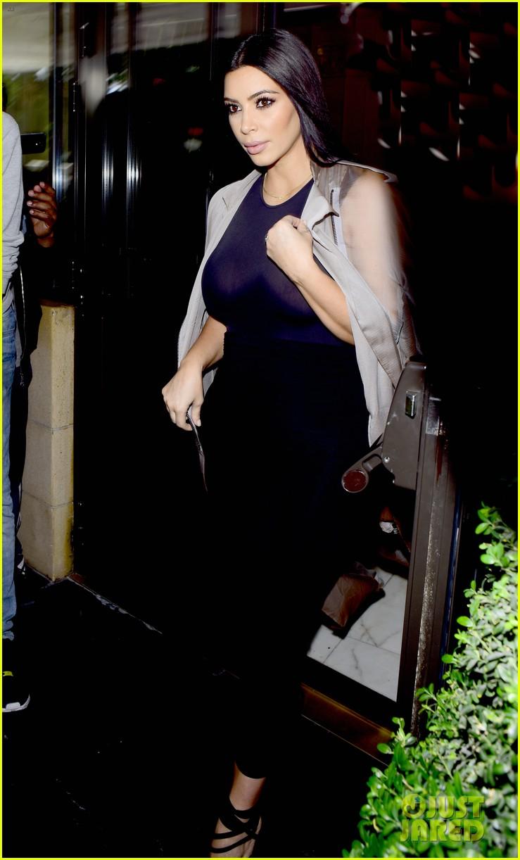 kim kardashian goes braless sheer glastonbury festival 083402985