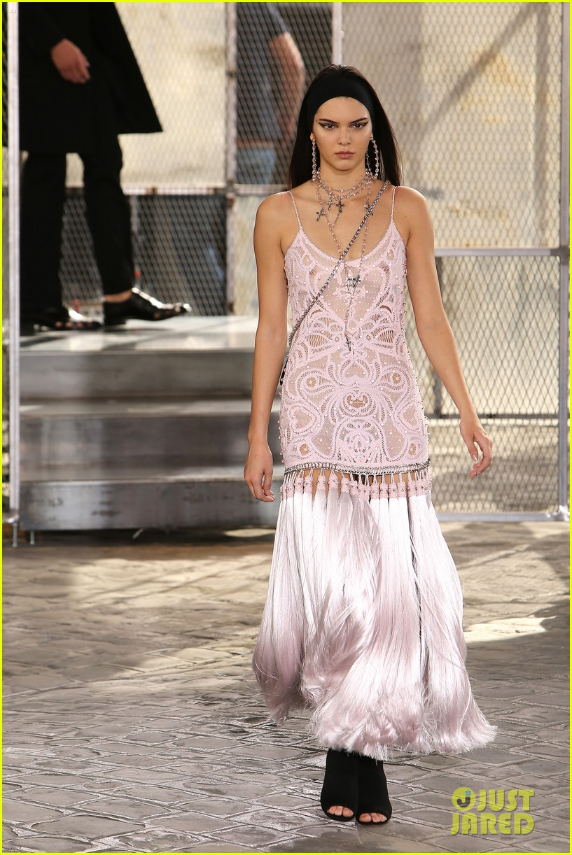 kendall jenner walks givenchy paris before heading london 103403177